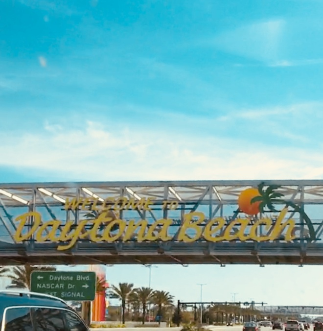 Daytona Sign